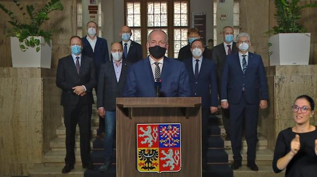Roman Prymula při televizním projevu