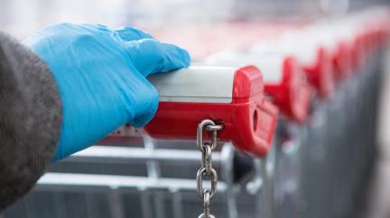 On-line supermarkety mění kvůli koroně pravidla