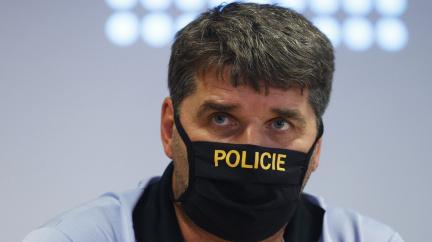 Kvůli demonstraci míří do Prahy policejní posily, v pátek 11 tisíc nakažených