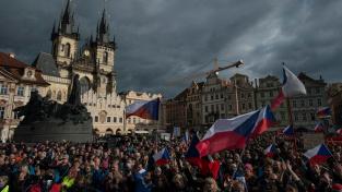 Nedělní demonstrace na Staroměstském náměstí
