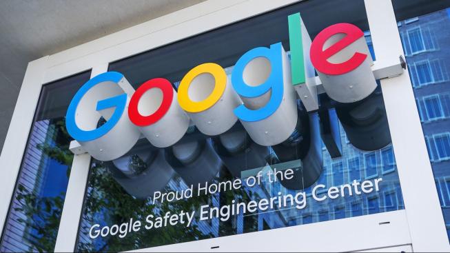 Vchod do centrály Googlu v kalifornském Mountain View.