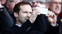 Postaví se Petr Čech kvůli koroně znovu do branky Chelsea?