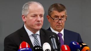 Končící ministr zdravotnictví Roman Prymula a premiér Andrej Babiš