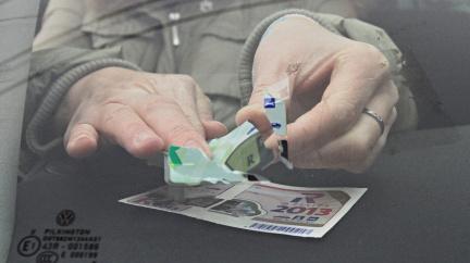Konec škrábání: Elektronické dálniční známky od prosince