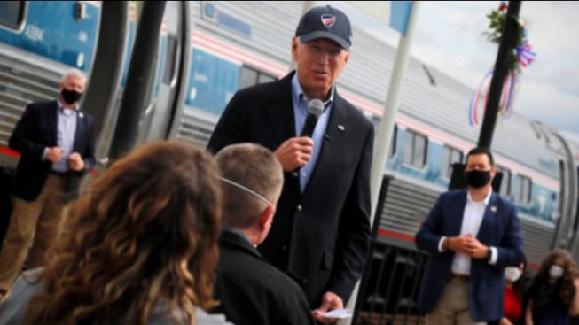Joe Biden při kampani na nádraží. joebiden.com