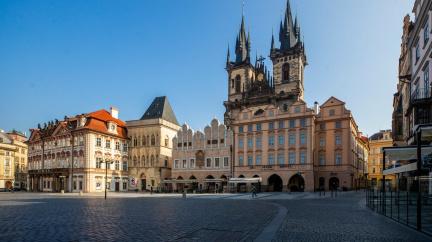 Pohyb lidí poklesl nejvíce v Praze, ve světě je už přes 50 milionů nakažených