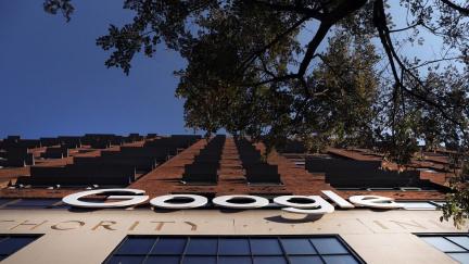 Na Google musíte tvrdě! vyzývá Evropskou komisi skupina firem