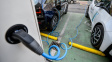 Británie už za deset let zakáže prodej aut na benzín a naftu