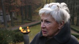 Kamila Moučková (na snímku z pohřbu Heleny Landovské)
