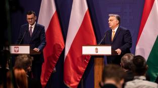 Premiéři Polska a Maďarska Mateusz Morawiecki a Viktor Orban