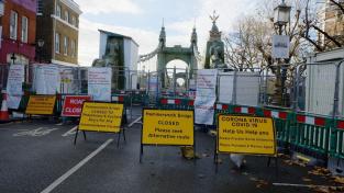 Oprava mostu v Hammersmithu je pro Brity pořádný oříšek