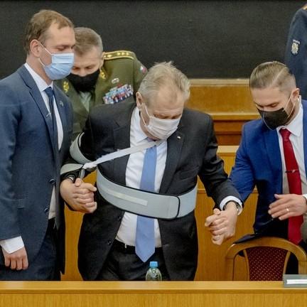 Prezident Zeman žádá od BIS jména ruských špionů a jejich spolupracovníků