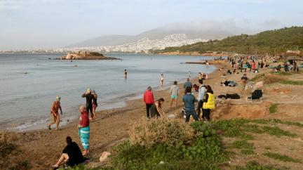 Středomořské paradoxy: Řekové na plážích, Madriďané v závějích