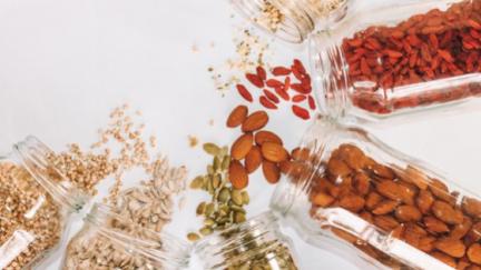 Přestaňte plýtvat jídlem: Tipy, jak potraviny správně skladovat