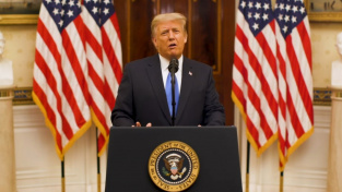 Donald Trump se v posledním projevu rozloučil s prezidentskou funkcí