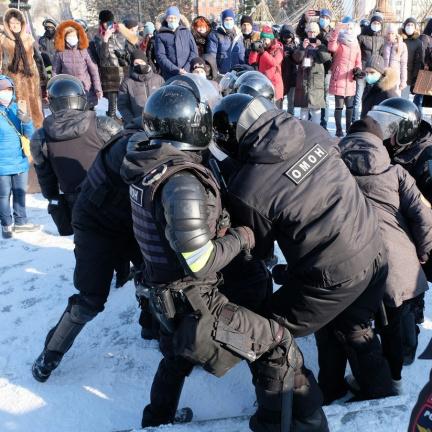 Při protestech na podporu Navalného byly zadrženy více než tři tisícovky lidí