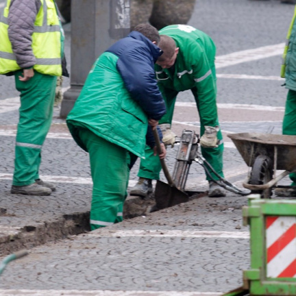 Cizinci tvoří téměř šestinu zaměstnanců v ČR a jejich podíl se zvyšuje