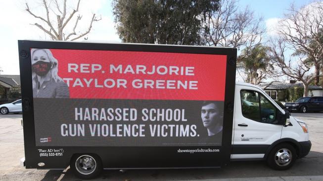 protest proti Marjorie Taylorové Greeneové