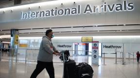 Británie zavádí přísnější pravidla pro cestující z rizikových zemí