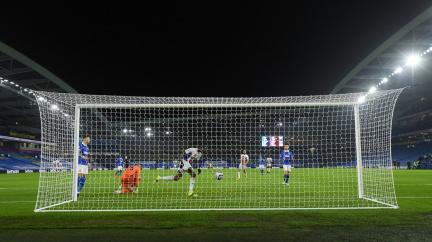 V Anglii se fotbaloví fanoušci vrátí v květnu na stadiony