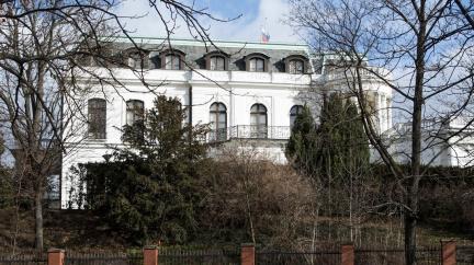 Zatčení ruského diplomata vedlo k čistkám na ambasádách