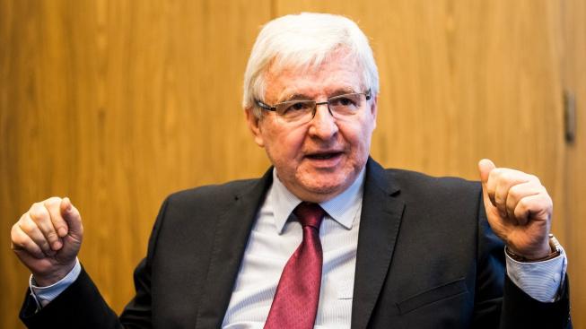Guvernér ČNB Jiří Rusnok uvedl, že ČNB teď nemá k dispozici žádný zisk, který by mohla poslat do státního rozpočtu