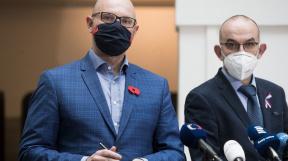 ministr školství Robert Plaga, ministr zdravotnictví Jan Blatný