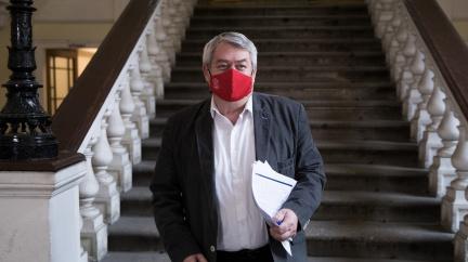 Komunisté během Velikonoc rozhodnou o další toleranci menšinové vlády ANO a ČSSD
