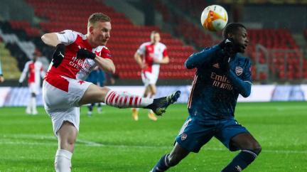 Slavia po prohře s Arsenalem končí v EL; čeští politici kritizují trest pro Kúdelu