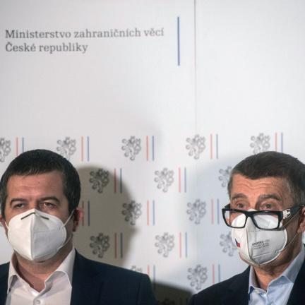 Babiš označil vrbětický výbuch za terorismus, Hamáček se sejde s ruským velvyslancem
