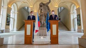 ministr zahraničí Jakub Kulhánek a premiér Andrej Babiš