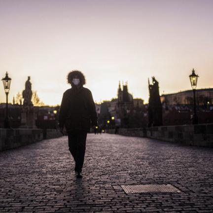 Vláda plánuje rozvolňování, představila balíčky pro návrat do normálního života