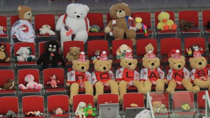 Po hokejové extralize se část fanoušků vrátí i na fotbal