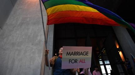 Šance pro LGBT. Návrh zákona o manželství pro homosexuály prošel prvním čtením