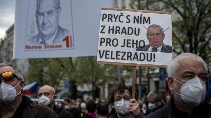 """""""Nejsme Rusko, nejsme zboží."""" V Praze se demonstrovalo proti příklonu Zemana k Moskvě"""