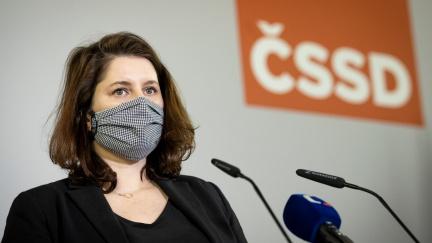 Vedení ČSSD na straně Hamáčka. Byla to blamáž, vyjádřila se Maláčová k jednání sněmovny