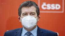 Hamáček plánoval let do Moskvy, tajné služby ale výměnu Vrbětic za vakcíny nepotvrdily