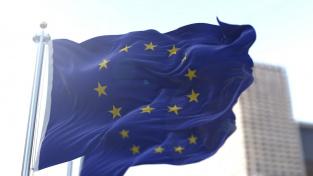 Ekonomika Evropské unie letos i v příštím roce především díky rychlejšímu uvolňování protipandemických omezení poroste rychleji, než se původně čekalo
