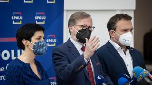 Koalice Spolu (ODS, KDU-ČSL, TOP 09) a Pirátů a Starostů a nezávislých (STAN) nashromáždí dostatek podpisů k vyvolání hlasování o nedůvěře vládě