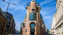 Moderní architektura jako hnisavý vřed na přátelské tváři