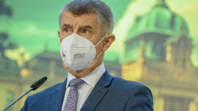 Podle závěrů Evropské komise je český premiér ve střetu zájmů, neboť nadále přes svěřenské fondy ovládá Agrofert