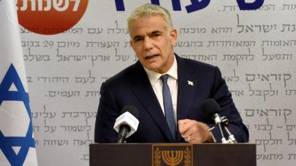 Netanjahu končí. Lídr izraelské opozice Jair Lapid oznámil, že sestavil vládní koalici