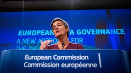 Snadné nákupy i otevření účtu v bance. Evropská komise navrhuje digitální peněženku pro celou unii