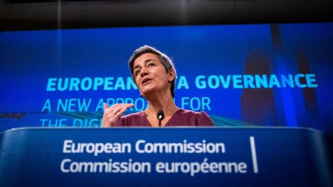 """""""Evropská digitální identita nám umožní dělat v jakékoli členské zemi to, co děláme doma, bez jakýchkoli dalších nákladů a s méně překážkami,"""" prohlásila dnes místopředsedkyně komise Margrethe Vestagerová"""