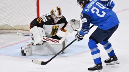 """Ve finále """"bláznivého turnaje"""" nastoupí Kanada proti Finsku"""