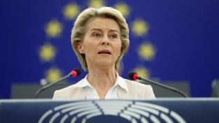 Předsedkyně komise Ursula von der Leyenová prohlásila, že by Brusel mohl příští týden schválit první národní plány obnovy, na jejichž základě budou země peníze z fondu dostávat