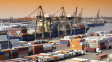 Kontejnerovou dopravu zpomalil covid i ucpaný Suez. Potíže možná potrvají do Vánoc, tvrdí experti
