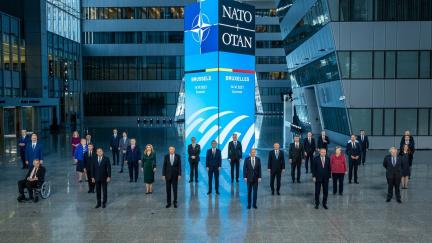 Lídři zemí NATO vyjádřili solidaritu Česku kvůli ruským nepřátelským akcím