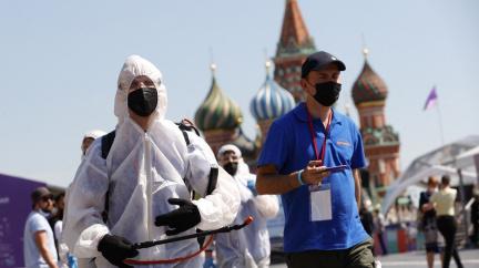 Moskvu drtí nová vlna covidu. Nařízeno povinné očkování ve službách, ale vakcíny chybí