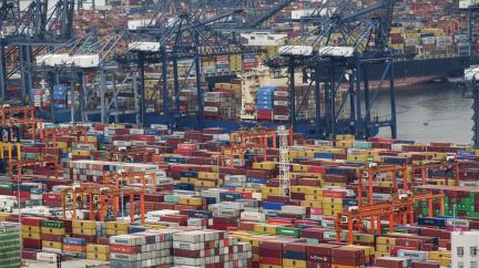 Karanténa v čínském přístavu způsobila domino efekt v globálním obchodě